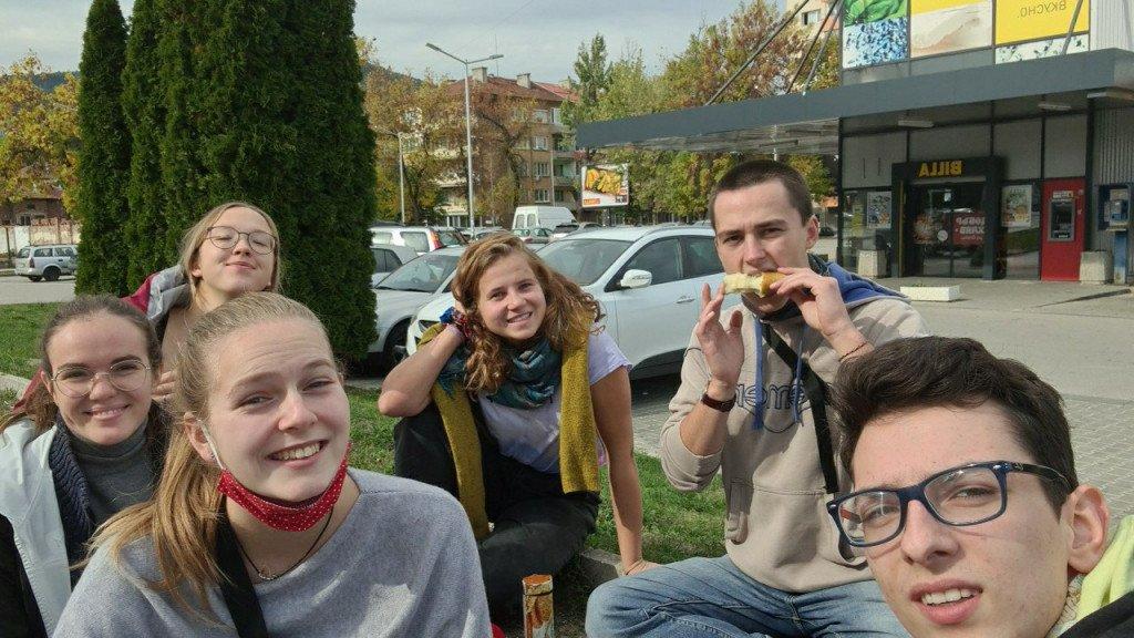 Eine kleine Weltreise nach Gabrovo