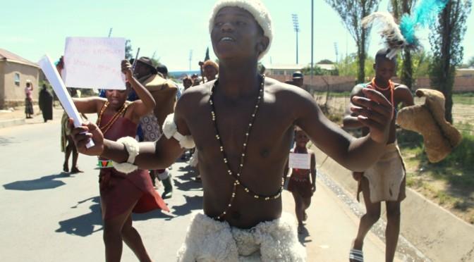 Traditioneller Marsch junger Talente in Lesotho