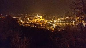 Blick auf Budapest am Abend vom St.Gillhart hügel