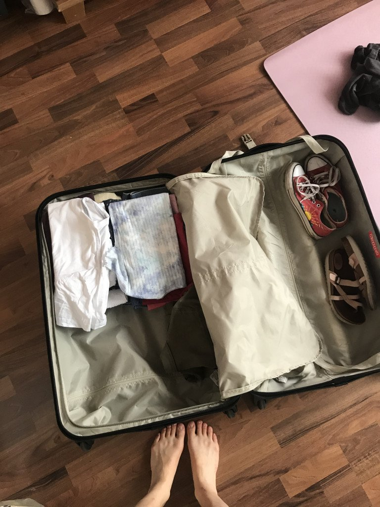 packingsuitcase