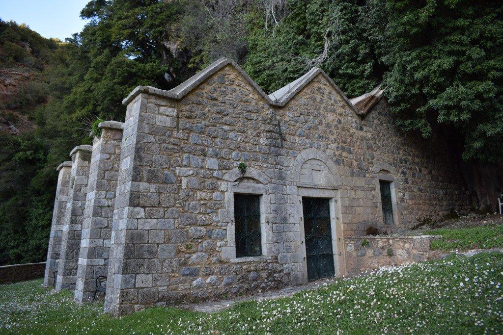 Kirche im Gestein